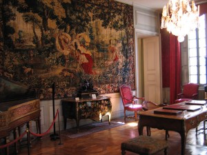 musee-arts-decoratifs-lyon-france-salon